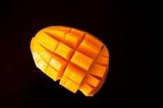you know you're a real filipino when you cut your mangoes like this! masarap!