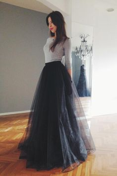 Black tulle maxi skirt by NelliUzun on Etsy (Top Moda Fiesta) Indian Gowns Dresses, Indian Fashion Dresses, Modest Fashion, Skirt Fashion, Dance Dresses, Maxi Outfits, Fashion Outfits, Tulle Skirt Outfits, Fashion Ideas