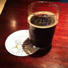 Cerveja Bluth Goose Island, estilo Porter, produzida por Goose Island Brewery, Estados Unidos. 5.6% ABV de álcool.