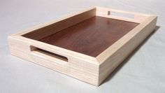 Modern wooden serving tray with handles. от Melcreationsbois