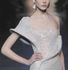 Armani Privé by maryfair177 World Of Fashion, I Love Fashion, Fashion Details, High Fashion, Passion For Fashion, Fashion Design, 70s Fashion, Fashion Models, Armani Prive