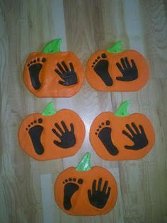 Halloween Craft I love this one!!!! Pumpkin prints for my little pumpkins! Great grand parent decoration gifts. Salt dough. Use rubber stamps to stamp names & year. Modpodge to glaze.