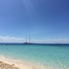 Michaelmas Cay Great Barrier Reef #nofilter #queensland #australia #travelgram #latergram #greatbarrierreef by yodapipharmacy http://ift.tt/1UokkV2
