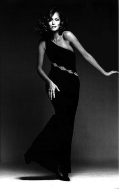 "lelaid: "" Lauren Hutton by Francesco Scavullo, 1973 "" Seventies Fashion, 70s Fashion, Timeless Fashion, Fashion Beauty, Vintage Fashion, Vintage Style, Lauren Hutton, Linda Evangelista, Christy Turlington"