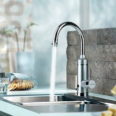 Pudin Adjustable Power Electric Instant Heater Tap,Supply Hot and Cold Water,Hot Water Kitchen Tap With LED Digital Display For Home Facilities(British Plug)(Silver)