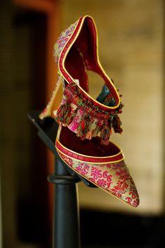 Shoe Heaven Manolo Blahnik - Peony Lim                                                                                                                                                      More