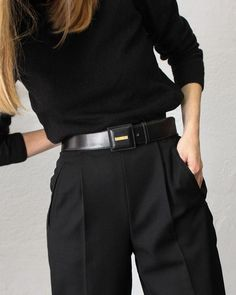Newest Totally Free Sewing clothes aesthetic Ideas Nice trouser. Looks Chic, Looks Style, Style Me, Edgy Style, Curvy Style, Black Style, Parisian Style, Black On Black, Total Black