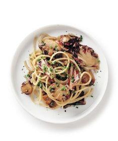 Mushroom and Radicchio Spaghetti | RealSimple.com