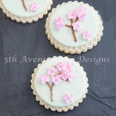 Dazzle and amaze your clients with royal icing blossoms, motifs, and string work. Sugar artist Bobbiebaking will take you on a royal journey of instruction and fun.