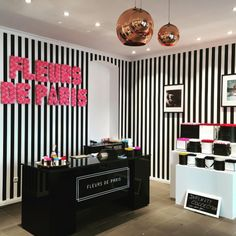 Come visit our store in Berlin | Bleibtreustraße 32 to be inspired! #fleursdeparis #flowers #conceptstore #berlin #rosen #flowerbox #interior #interiordesign