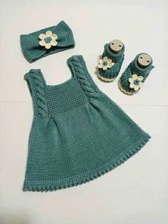 knitting for babies Knit Baby Dress, Knitted Baby Clothes, Baby Knits, Baby Cardigan Knitting Pattern, Baby Knitting Patterns, Baby Outfits, Kids Outfits, Baby Dress Patterns, Knitting For Kids