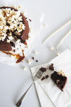 ... flourless chocolate cake ...