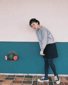 9,033 отметок «Нравится», 14 комментариев — しばさき 柴田紗希 (@shibasaaki) в Instagram: «今日の私服さん♡ 全体的に、 @slow_daikanyama だよ(*^^*) くすみグリーンブルーな色とパンツのきっちりした形がすごい好き✨ #私服さん #slow #古着 #vintage…»