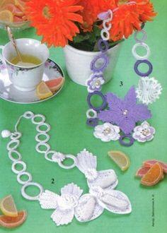 Colliers fleuris au crochet et leurs grilles gratuites !