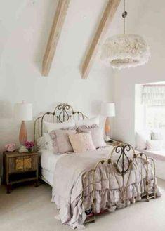 cool 44 Elegant Boho Bedroom Decor Ideas For Small Apartment https://about-ruth.com/2018/04/24/44-elegant-boho-bedroom-decor-ideas-small-apartment/