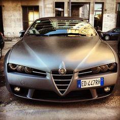 I love this Alfa Romeo Spider's matte grey paintjob » @lelebuonerba » Instagram Profile » Followgram #alfaromeoquadrifoglio