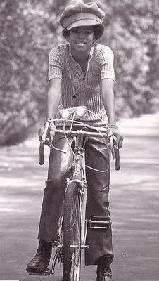 Michael Jackson O=O #lamistardilocast #bicyclette #vélo #sportive #sexy #bicycle…