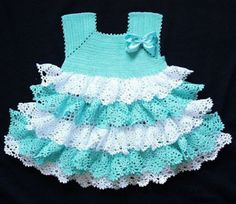 Beautiful dress for crochet girls with blue and white ruffles – step by step free
