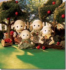 Calico critters - sheep family. I like the sheepses. :)
