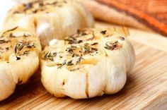 Herb Roasted Garlic: A 26-Calorie Flavor Booster