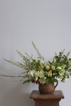 Laetitia Mayor | floresie.com, spring bouquet in yellow #flowers