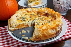 Pumpkin, onion and sage Pie: Eat while it`s still warm ;)