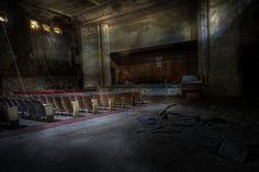 Sattler abandoned Theater