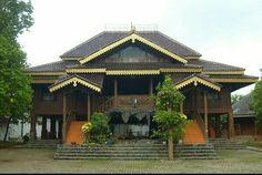 Rumah Adat Sesat Lampung