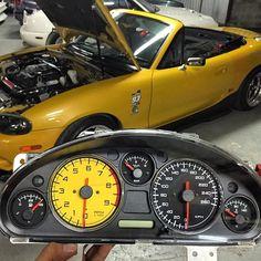 @revlimiter gauges for @tongnakariin's customer #Thailand | #TopMiata #mazda #miata #mx5 #eunos #roadster #revlimitergauges #gt2mw