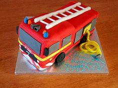 Fire Engine Cake | von Leanne's Cake Creations (Irchester)