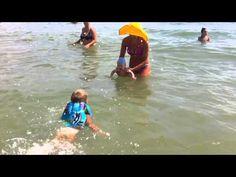 *Нам возраст не помеха:) Купание в море младенца с его старшим братиком. От Lyudmyla Luneva *