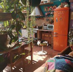 36 Lovely Bohemian Kitchen Decor Ideas That You Will Like Bohemian House Decor Bohemian Decor Ideas Kitchen Lovely Bohemian Kitchen Decor, Bohemian Chic Decor, Bohemian House, Bohemian Interior, Hippie Kitchen, 70s Kitchen, Eclectic Kitchen, Bohemian Design, Modern Bohemian