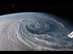Planetary Panoramas - 360 Degree Night-Sky Time-Lapse by Vincent Brady, Music by Brandon McCoy - YouTube#t=25