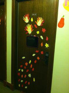Our Thanksgiving Dorm Decor TURKEY DOOR D Ilovelife Pinterest - Decoration dorm door decorating ideas with pink walls dorms dorm door