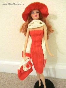 Entire blog- How to make doll clothes, mostly Barbie.