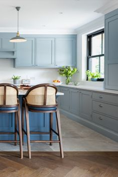 Elegant, classic bespoke full height cabinetry really gives this open plan kitchen the wow factor. Custom made at our workshop in Surrey. Handpainted in Bone China Blue by Little Greene Paint Company and Blue Blood by Paint and Paper Library. Open Plan Kitchen, Kitchen Redo, New Kitchen, Kitchen Design, Hells Kitchen, Ikea, Small Cottage Kitchen, Farmhouse Kitchen Cabinets, Handmade Kitchens