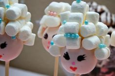 Marie Antoinette cake pops – Pin to pin Spa Party Cakes, Spa Day Party, Spa Cake, Girl Spa Party, Spa Birthday Parties, Pamper Party, Sleepover Party, Party Treats, Birthday Party Themes