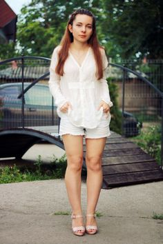 Fashion Shores: WHITE SILHOUETTE