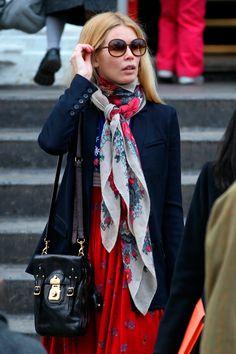 Diario de #Belleza Claudia Schiffer o la musa de los #pañuelos #Celebrities