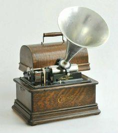 Edison Standard Model E cylinder phonograph, 1910