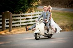 Fun wedding picture By Sophie photo Victoria BC