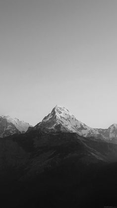 freeios8.com - ml66-mountain-bw-dark-high-sky-nature-rocky - http://bit.ly/1gvrLNl - iPhone, iPad, iOS8, Parallax wallpapers