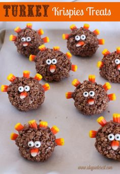 Aren't these Turkey Krispies Treats just about the cutest things that you ever did see?  I got the idea after Jen shared her adorable Pumpkin Krispies Treats last month.  My husband is a genius.  I've always known it, but the fact was reinforced when I shared my light bulb moment with him and he suggested...
