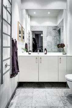 Chic scandinavian apartment design by alexander white - caandesign House Design, Gravity Home, Apartment Design, Home, Trendy Bathroom, Bathroom Interior, Bathroom Renovations, Scandinavian Apartment, Bathrooms Remodel