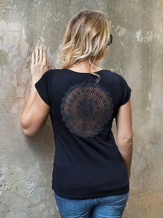 Black t-shirt with upcycled vintage crochet doily by katrinshine
