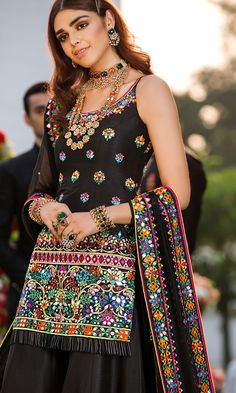 A chiffon shirt richly laiden with beaded work and sparkling Swarovski crystals on the neckline, paired with similarly worked pants. Desi Wedding Dresses, Pakistani Bridal Dresses, Party Wear Dresses, Indian Dresses, Party Dress, Bridal Dupatta, Pakistani Suits, Next Fashion, Fashion 2020