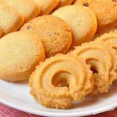 Ciastka maślane Baking Recipes, Cake Recipes, Polish Recipes, Food Design, Christmas Baking, Cookie Decorating, Sweet Recipes, Sweet Tooth, Sweet Treats