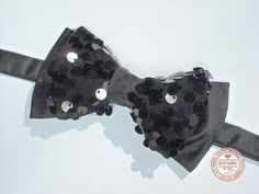 http://accessoriesforstars.blogspot.ro/2015/01/papion-shiny-black.html #bowtie #black #glitter #shine #glam #accessoriesforstars