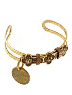 Love the Athena bracelet from Twisted Silver. Okay let's be honest, I love everything from Twisted Silver!