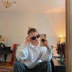"Gefällt 219 Mal, 6 Kommentare - LISA PAC (@lisapacmusic) auf Instagram: ""Songwriting essentials: - cosy hoodie 🐻 - tracksuit bottoms 🦦 - lemongrass candles 🍋 🌿 - hand creme…"" Songwriting, Lisa, Creme, Essentials, Ruffle Blouse, Instagram, Tops, Women, Fashion"
